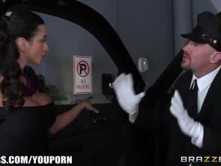 Brazzers - ariella ferra gives उसकी driver एक सवारी