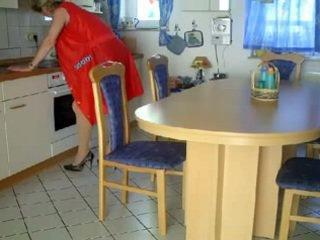 Oma und opa sa der kueche