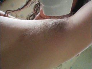 Haarig armpits und muschi