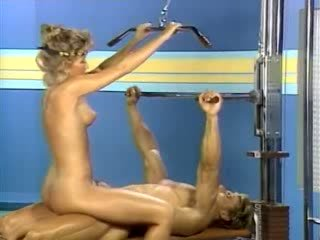 Sex in the sport night club from xxx classic porn