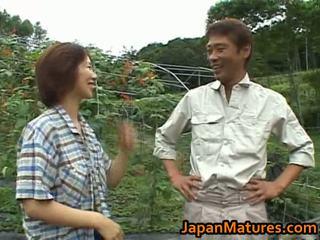 Chisato shouda aziatike moshë e pjekur zoçkë gets