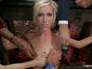Công chúa donna throws một b ngày bên đầy đủ của giới tính bondage sỉ nhục
