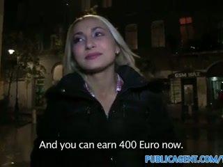 Publicagent sexy blonde avec entreprise cul swallows foutre