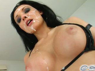 The בהחלט מדהימה חייזר gets שלה פנים covered ב
