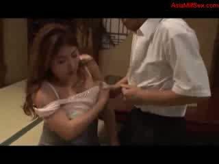Grasso tettona milf giving pompino getting suo tette scopata fica licked da marito su il pavimento in il stanza