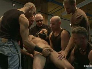 Ripped ragazzo gets suo hole shocked e filled a mr s pelle negozio