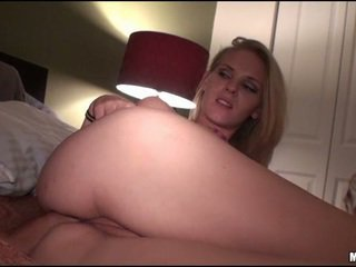 Snatch of babe is fucked