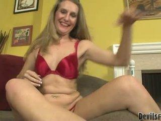 Sarah james súložiť a sať podľa ju gigantic sex hračky