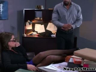 असली masseur stripping glam बेब