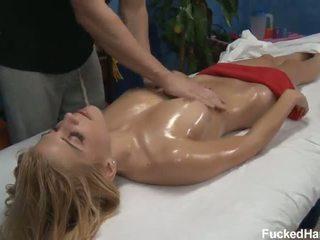 Carmen Καυτά σεξ λάδι μασάζ