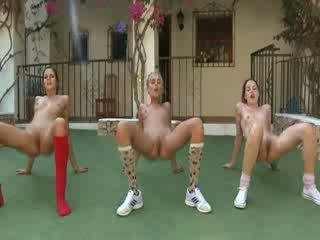Trio ヌード lesbos メイキング 好気性の