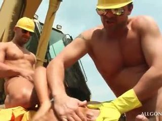 Aroused tramp banged hardcore by hot construction worke