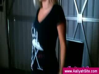 The innocent aaliyah показ від її дупа