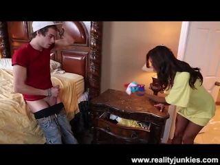 Francesca le catches viņam sniffing viņai apakšbiksītes
