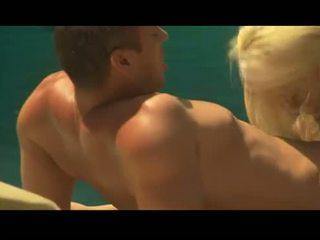 Olivia del rio gives en faceful av flange medan carmen luvana fucks en hård prick
