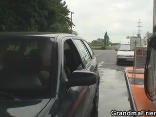 Gjysh është picked lart dhe fucked në the fields