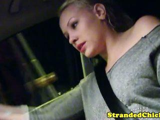 Hitching blond teen grabs drivers schwanz