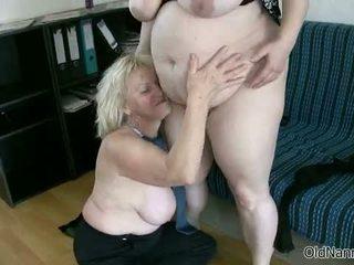 Rubia abuelita loves having lesbianas sexo