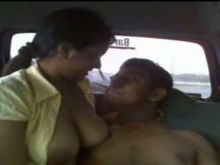 Watch real lanka bayan video - publicly taped sexy rumaja saperangan