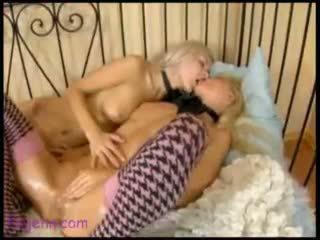 orgasm, fata pe fata, curea pe