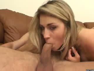 Seksuālā blondie ciera sage strokes par milzīgs penis