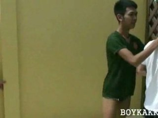 Tailandesa jovens depilados a foder sexo a 3
