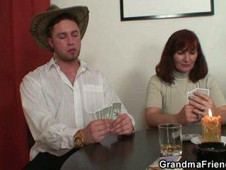 Rozbieranie poker leads do ciężko trójkąt