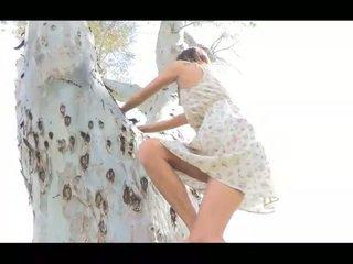Jody öffentlich nudity shes ein groß hübsch und sehr