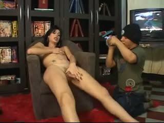 Teen tranny gives head