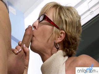 Καυλωμένος/η γιαγιάδες having σεξ