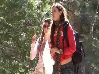 Faye reagan dan georgia jones pergi di luar untuk pekerjaan di thier hubungan