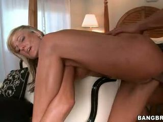 Horny Cum PaRAmour Val Malone Merits A Hot Shot Of Cum After A Wild Group Sex