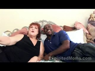 奶奶 receives bawdy cleft pounded 由 大 黑色 公雞