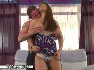 Sexy giovane moglie fucks an maggiore uomo a orgasmo