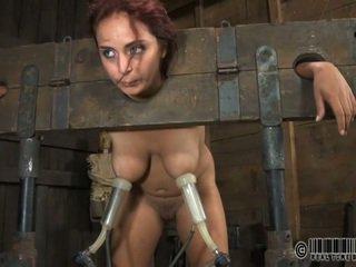 Orja gets ardous selkäsauna