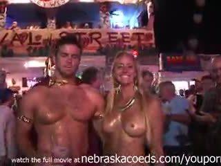 Nudity everywhere em o streets de key west flórida