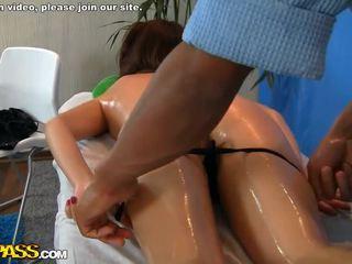 Massaggio ragazza scopata doggy stile