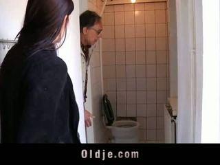 Oldje: 젊은 비탄 tries 그녀의 처음으로 늙은 사람