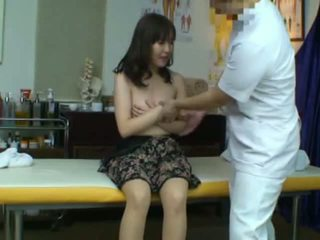 Spycam captures a reluctant asyano asawang babae seduced by kanya masseur