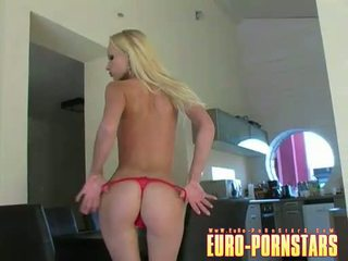 Gitta blond acquires mudo and rubs her soaked cunt