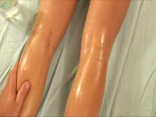 Pornstar gets a steamy rub down