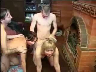 러시아의 가족 아마추어 섹스