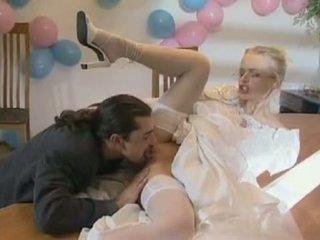 新娘 實, 更多 marry, 熱 dora