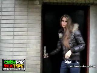 Blande av videoer av kontanter til xxx tape