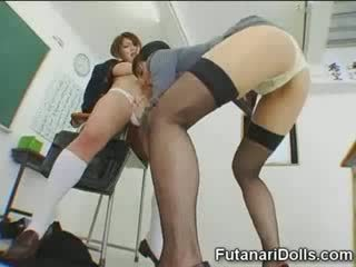Futanari csaj gets sucked!