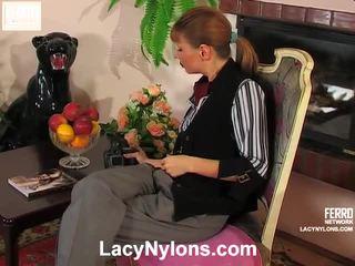 Alice ir alina nešvarus ilgos kojinės video