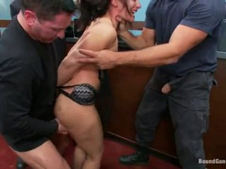 Sheena ryder has throat fodido por banco robbers