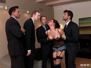 Tory lane cấm trong boston video