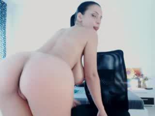 Floppy and flexible cam girl