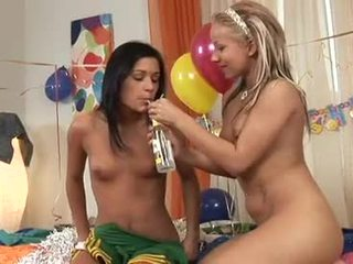 Lusty Lezbo Missy Nicole Enjoys The Pfinalic PLeasure Just Like A Real Rod